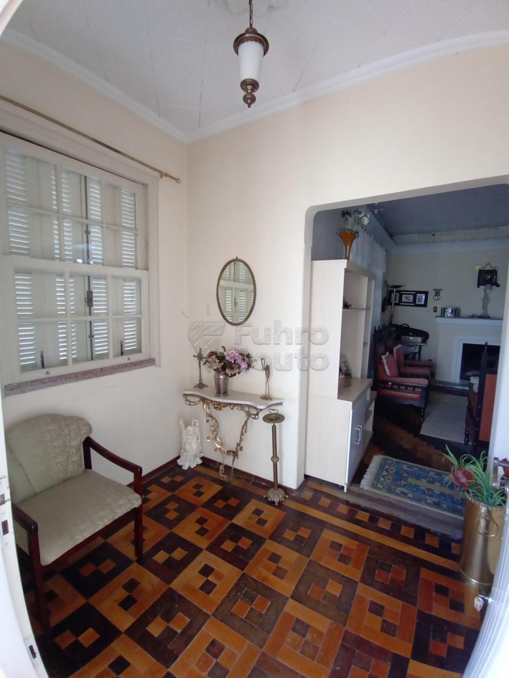 Comprar Casa / Padrão em Pelotas R$ 1.590.000,00 - Foto 2