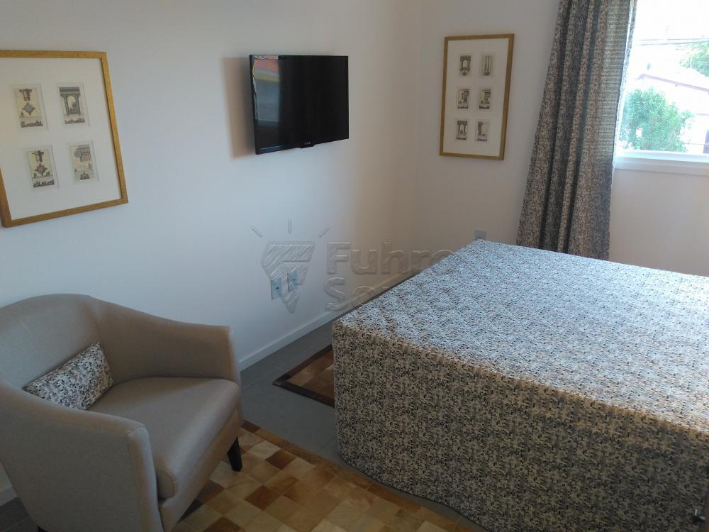 Comprar Apartamento / Padrão em Pelotas R$ 288.000,00 - Foto 4