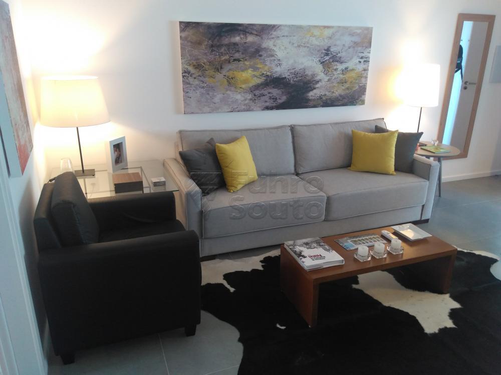 Comprar Apartamento / Padrão em Pelotas R$ 288.000,00 - Foto 2