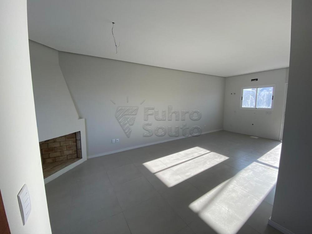 Comprar Casa / Padrão em Pelotas R$ 320.000,00 - Foto 2