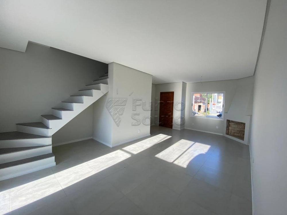 Comprar Casa / Padrão em Pelotas R$ 320.000,00 - Foto 3