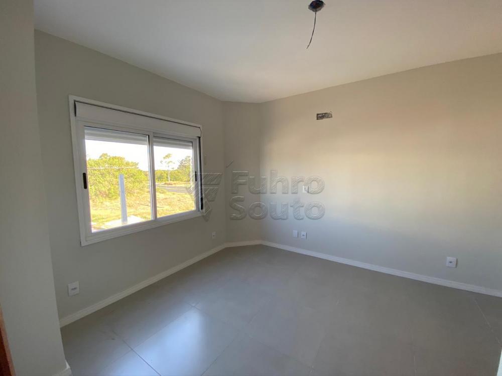 Comprar Casa / Padrão em Pelotas R$ 320.000,00 - Foto 24