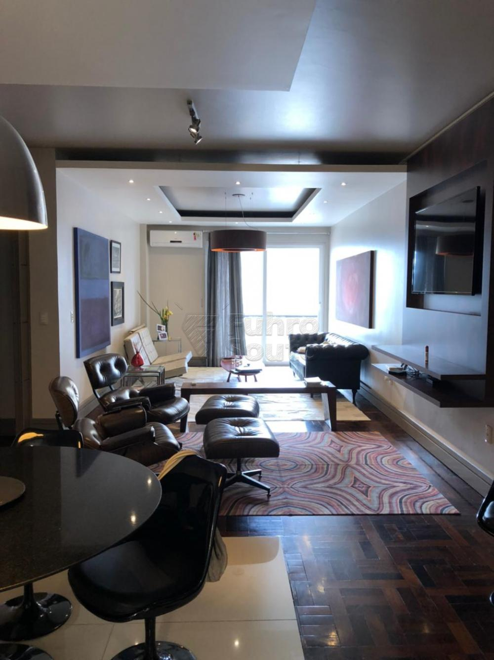 Comprar Apartamento / Padrão em Pelotas R$ 650.000,00 - Foto 4
