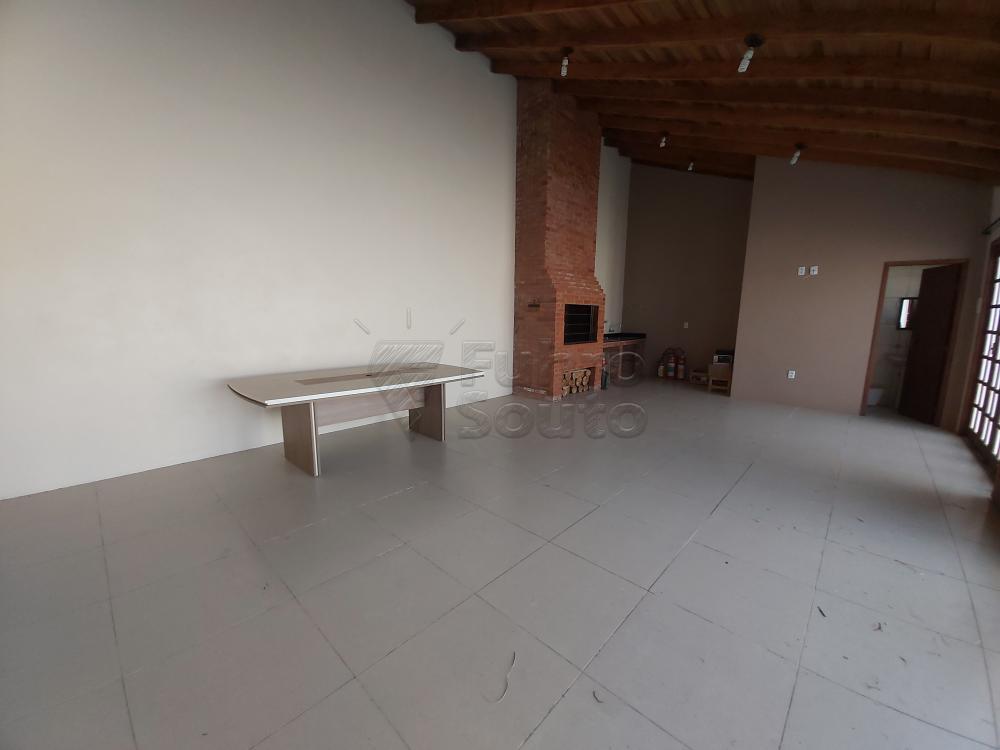 Comprar Casa / Padrão em Pelotas R$ 490.000,00 - Foto 12