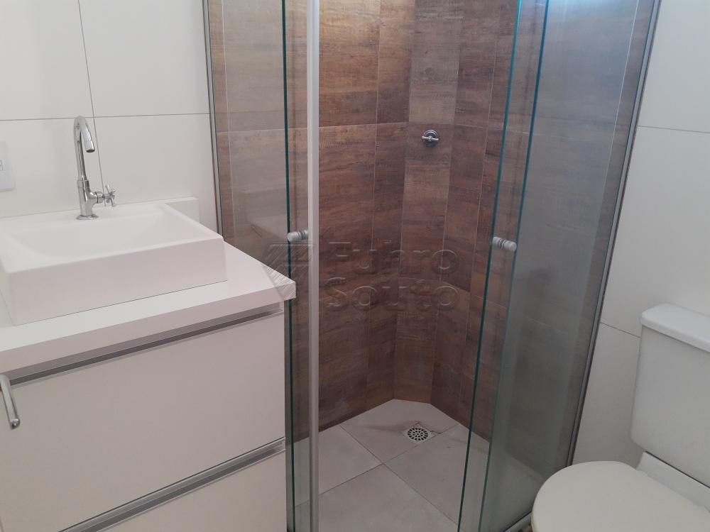 Apartamento a uma quadra da Av. Duque de Caxias, recém reformado com 2 dormitórios com Split, banheiro, lavanderia, todo em piso flutuante, armários planejados na cozinha e banheiro. 1 Vaga coberta.