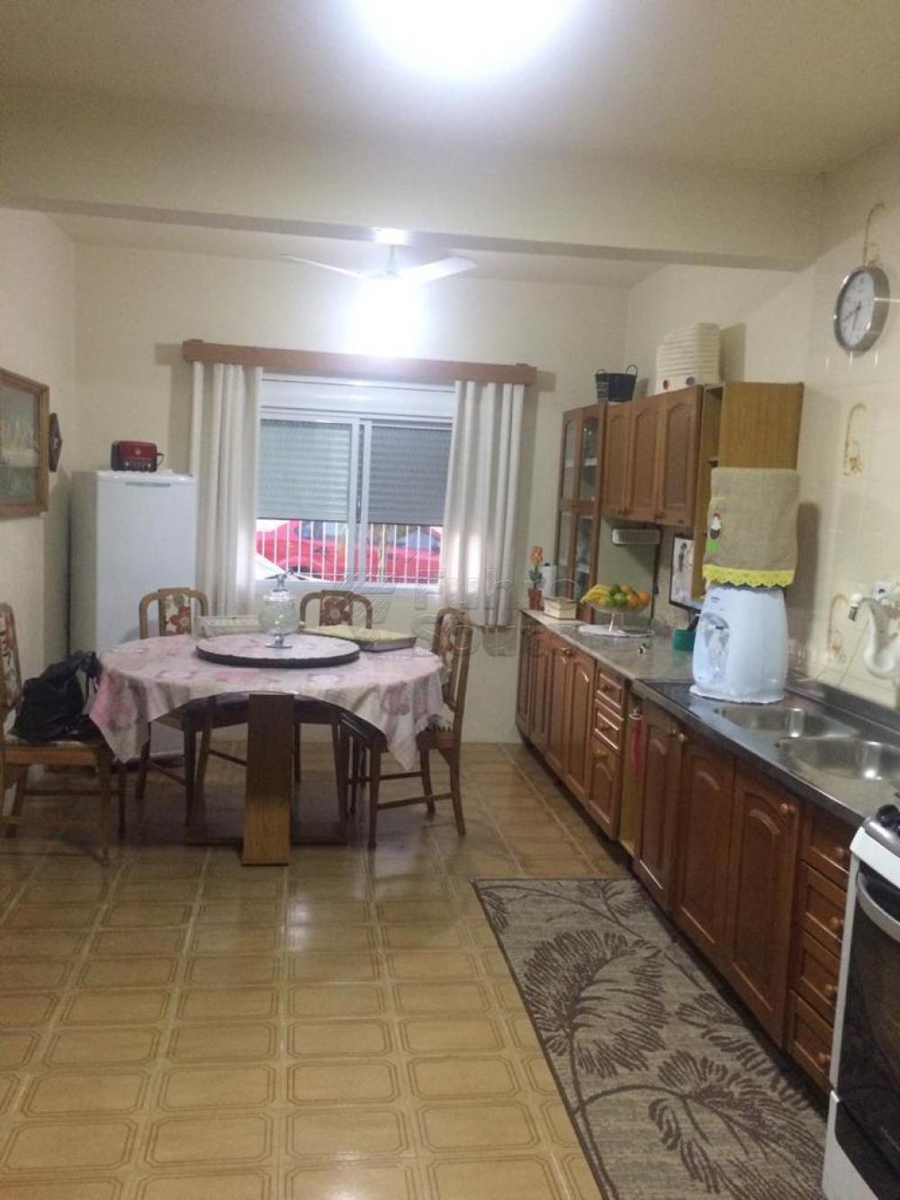 Comprar Casa / Padrão em Pelotas R$ 380.000,00 - Foto 6
