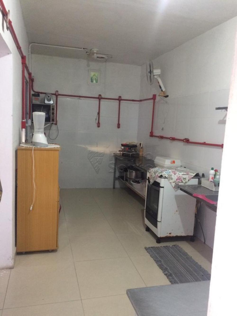 Comprar Casa / Padrão em Pelotas R$ 380.000,00 - Foto 14