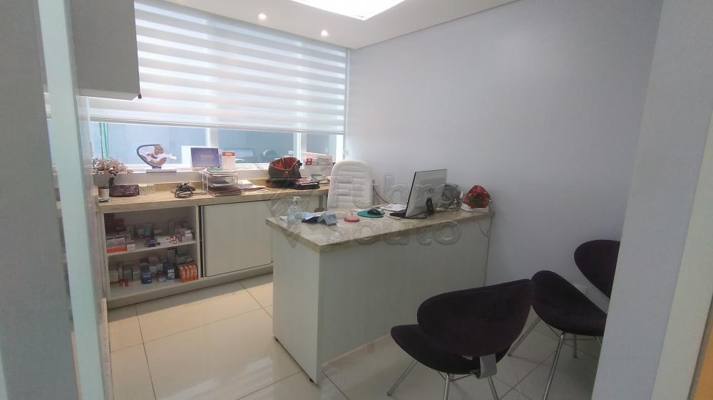 Comprar Comercial / Sala em Condomínio em Pelotas R$ 820.000,00 - Foto 11