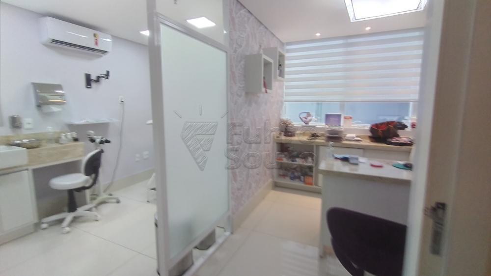 Comprar Comercial / Sala em Condomínio em Pelotas R$ 820.000,00 - Foto 12
