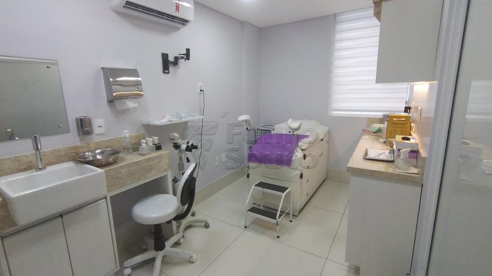 Comprar Comercial / Sala em Condomínio em Pelotas R$ 820.000,00 - Foto 13
