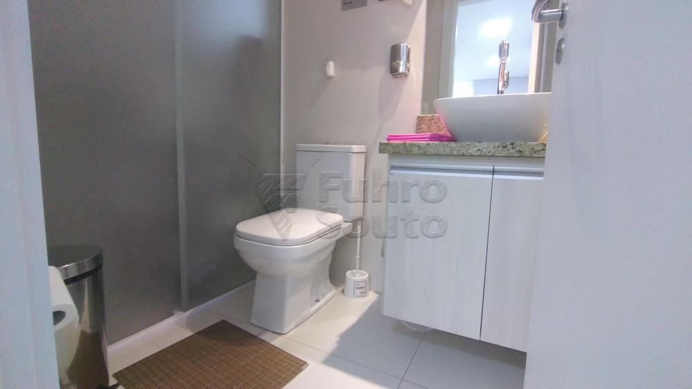Comprar Comercial / Sala em Condomínio em Pelotas R$ 820.000,00 - Foto 15