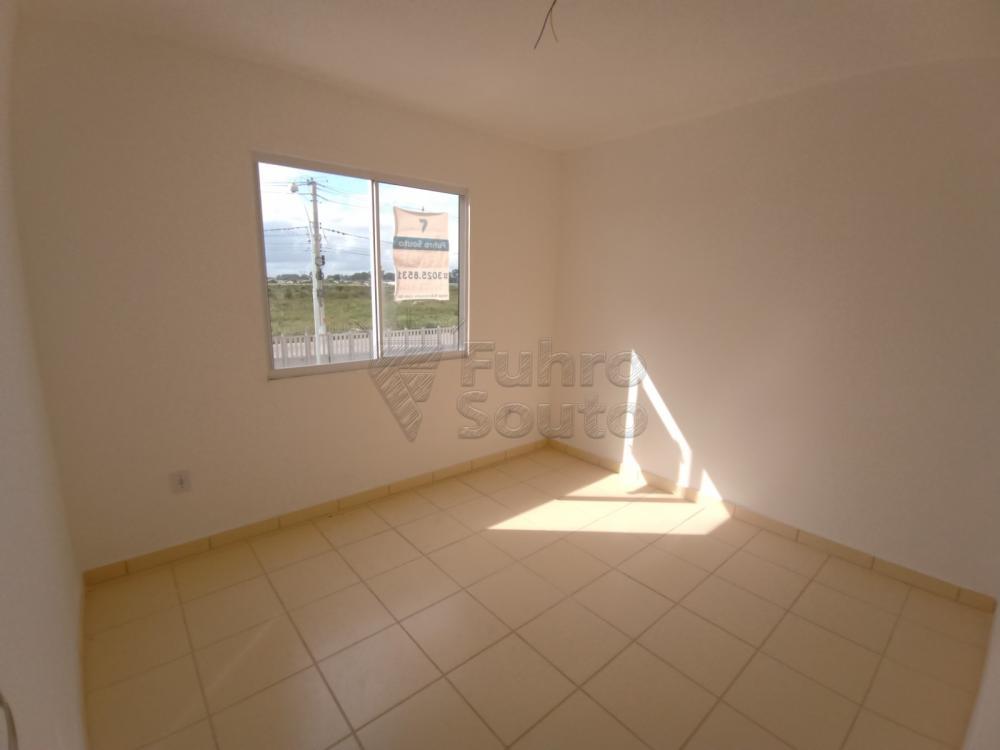Comprar Apartamento / Padrão em Pelotas R$ 110.000,00 - Foto 6