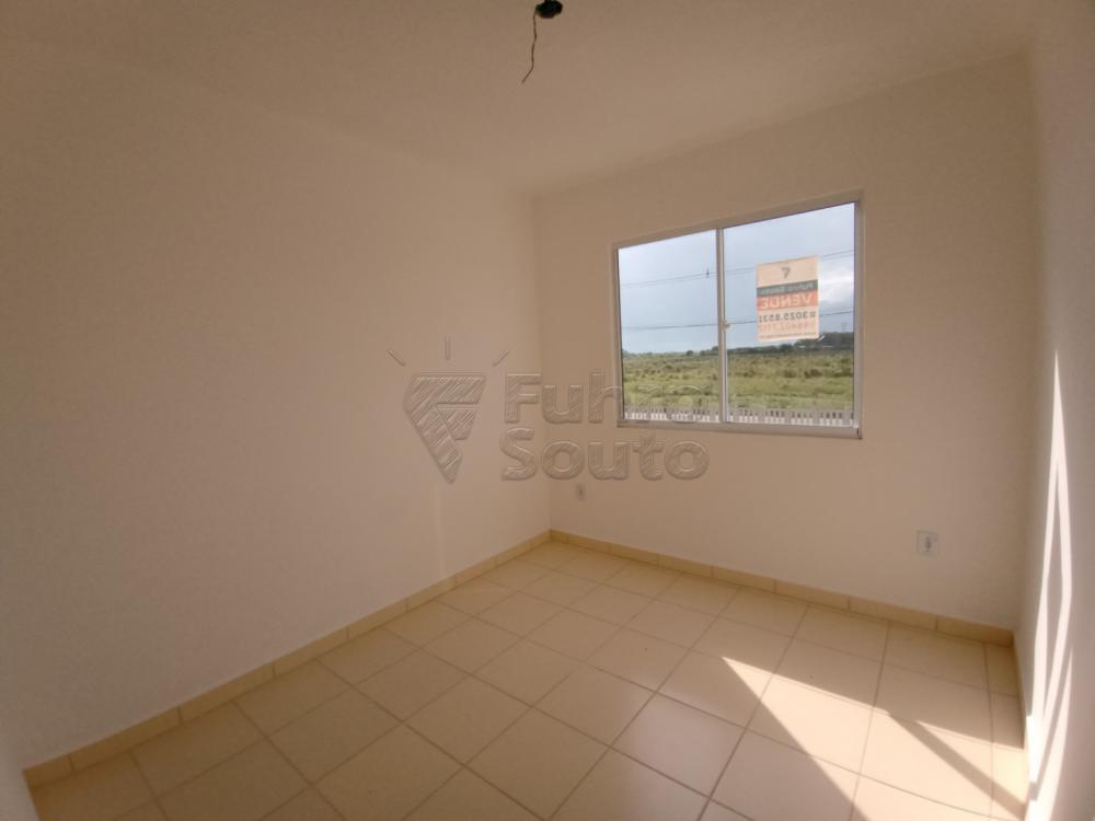 Comprar Apartamento / Padrão em Pelotas R$ 110.000,00 - Foto 7