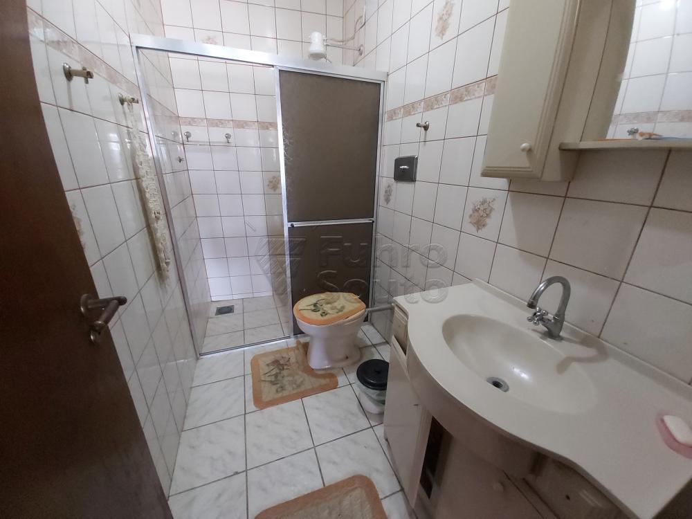 Sobrado no Fragata Próximo Dom Pedro I - 2 dormitórios sendo 1 suíte, cozinha, banheiro social, varanda, pátio. R$ 480.000,00
