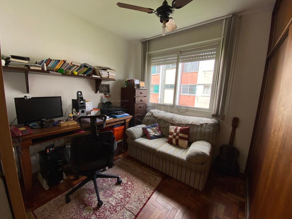 Apartamento próximo a faculdade de medicina, frente leste, 2 dormitórios, sala, banheiro, cozinha, área de serviço, garagem.