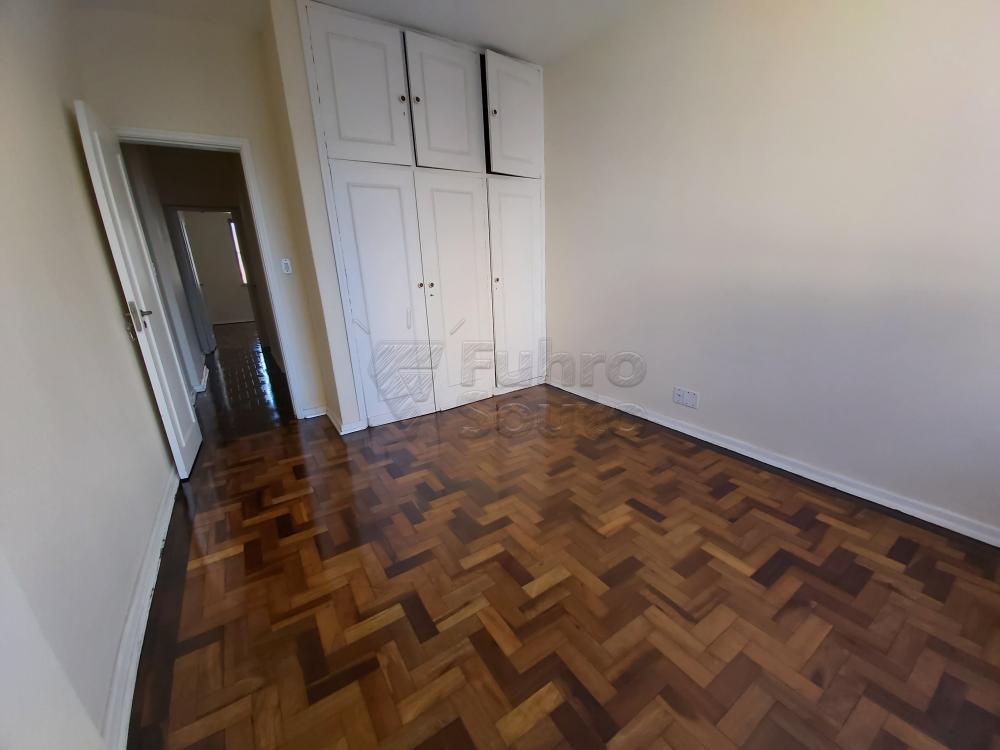 Apartamento centralíssimo vista para o calçadão - Amplo, ensolarado, 3 dormitórios, sala de estar, jantar, cozinha, dep. completa, área de serviço, garagem. R$ 280.000,00