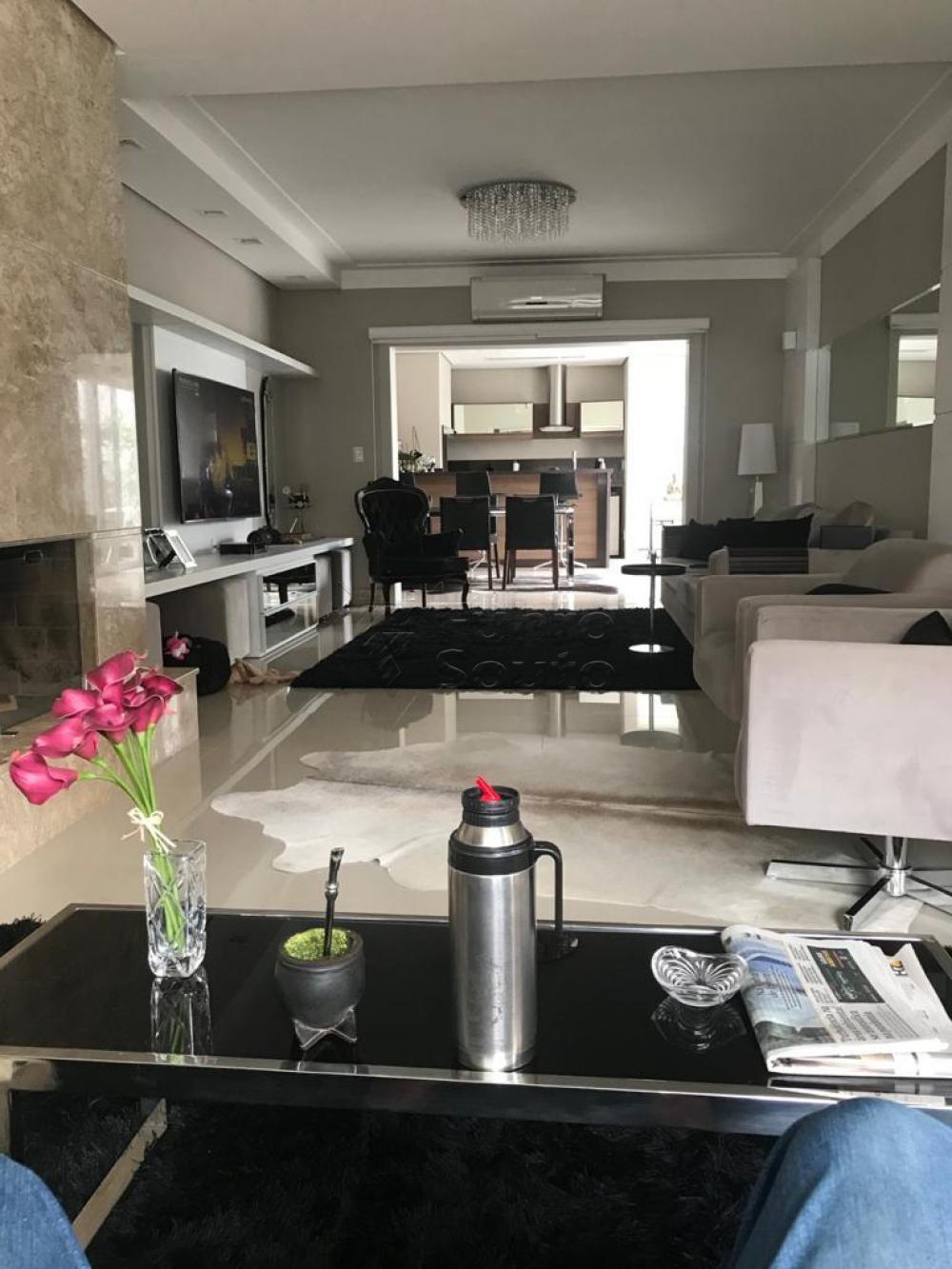 Comprar Casa / Condomínio em Pelotas R$ 1.350.000,00 - Foto 4