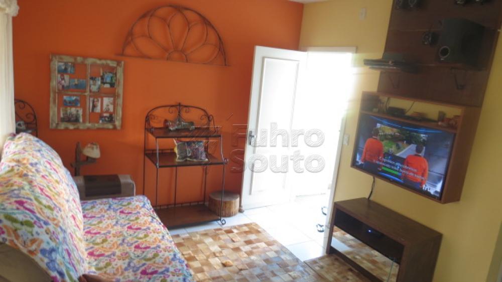 Comprar Casa / Condomínio em Pelotas R$ 430.000,00 - Foto 2