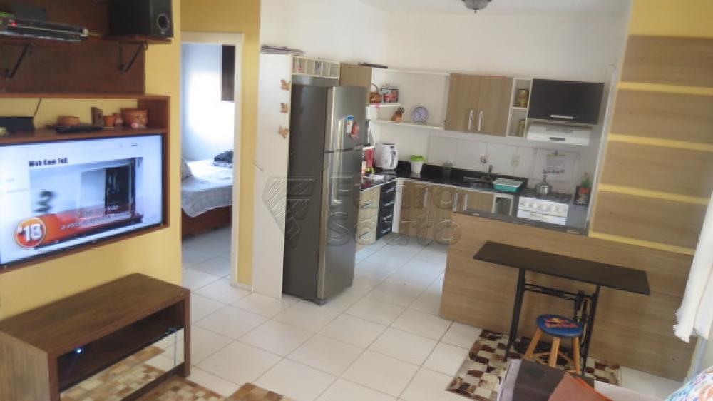 Comprar Casa / Condomínio em Pelotas R$ 430.000,00 - Foto 6