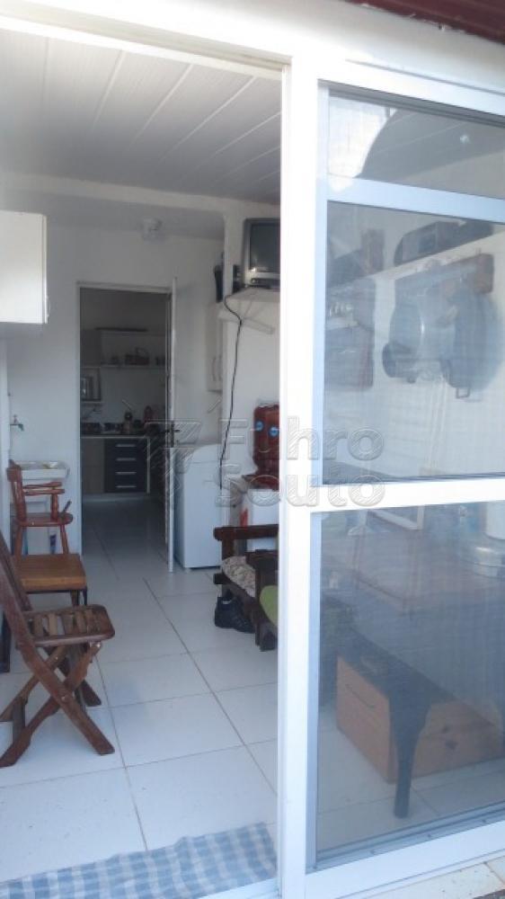 Comprar Casa / Condomínio em Pelotas R$ 430.000,00 - Foto 21