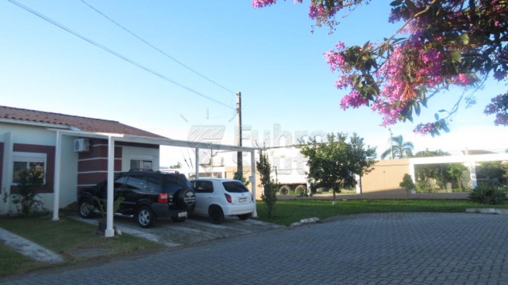 Comprar Casa / Condomínio em Pelotas R$ 430.000,00 - Foto 26