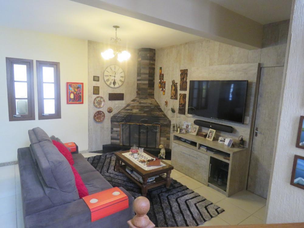 Comprar Casa / Padrão em Pelotas R$ 480.000,00 - Foto 1