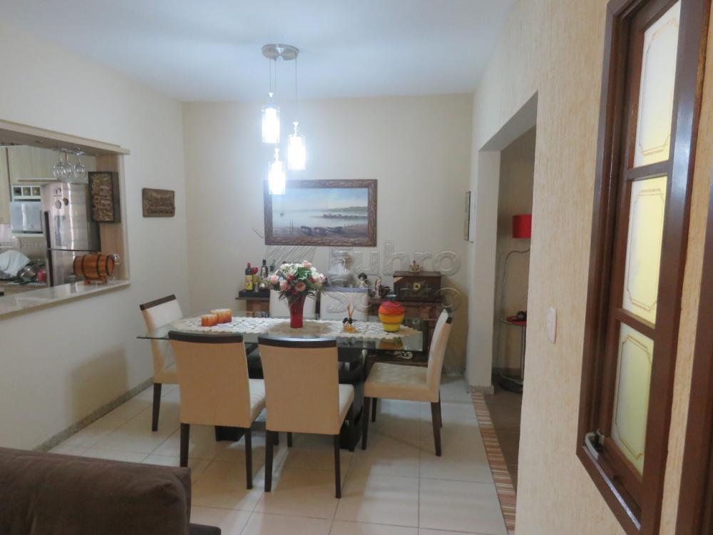 Comprar Casa / Padrão em Pelotas R$ 480.000,00 - Foto 8