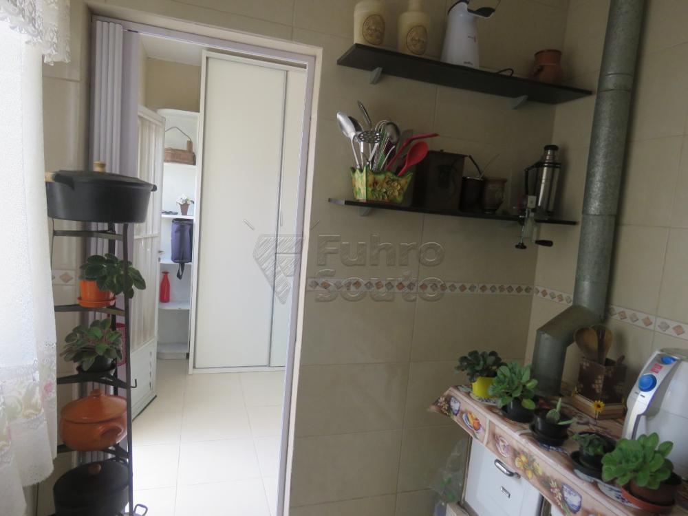 Comprar Casa / Padrão em Pelotas R$ 480.000,00 - Foto 23