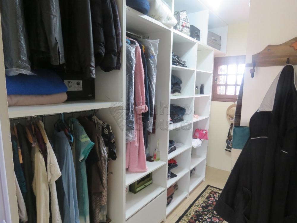 Comprar Casa / Padrão em Pelotas R$ 480.000,00 - Foto 14