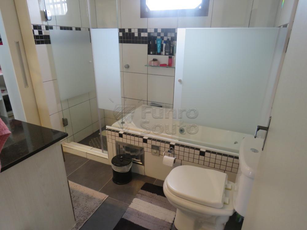 Comprar Casa / Padrão em Pelotas R$ 480.000,00 - Foto 17