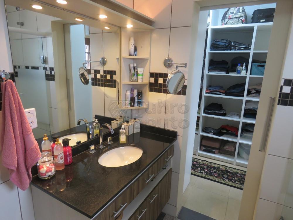 Comprar Casa / Padrão em Pelotas R$ 480.000,00 - Foto 18