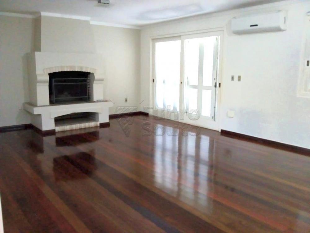 Comprar Casa / Padrão em Pelotas R$ 1.180.000,00 - Foto 1