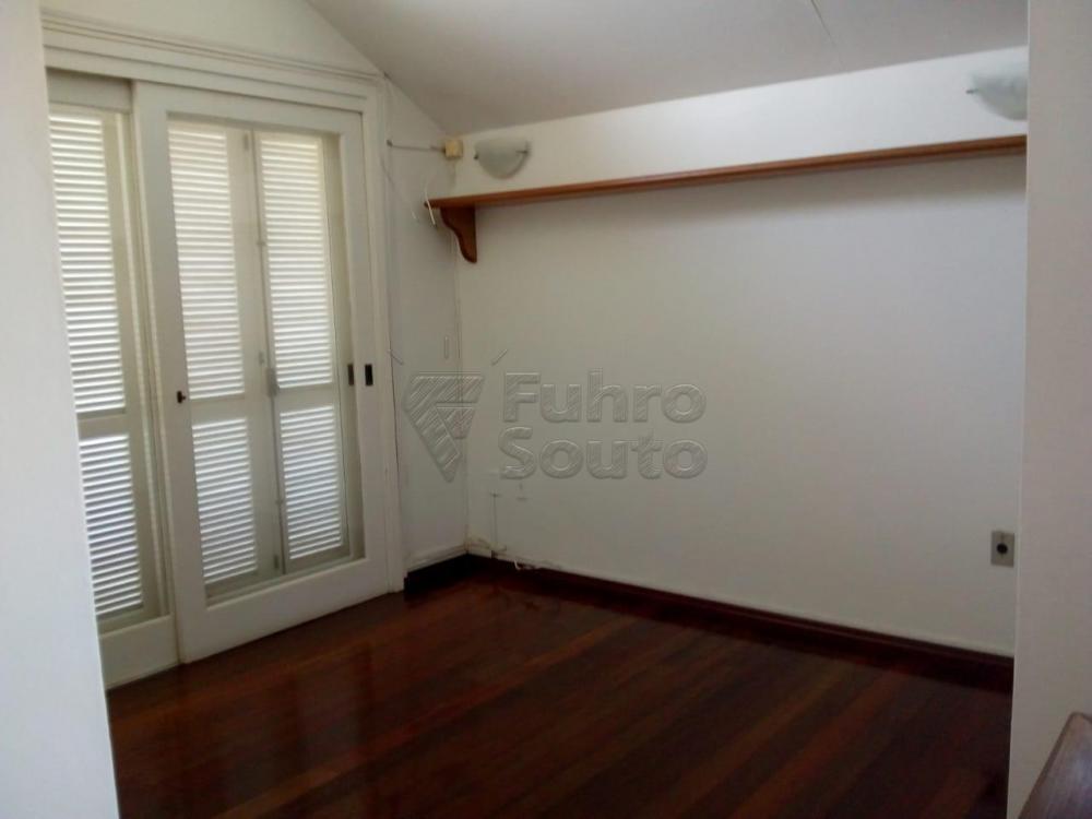 Comprar Casa / Padrão em Pelotas R$ 1.180.000,00 - Foto 5