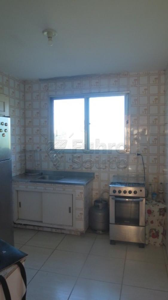Comprar Apartamento / Padrão em Pelotas R$ 310.000,00 - Foto 16
