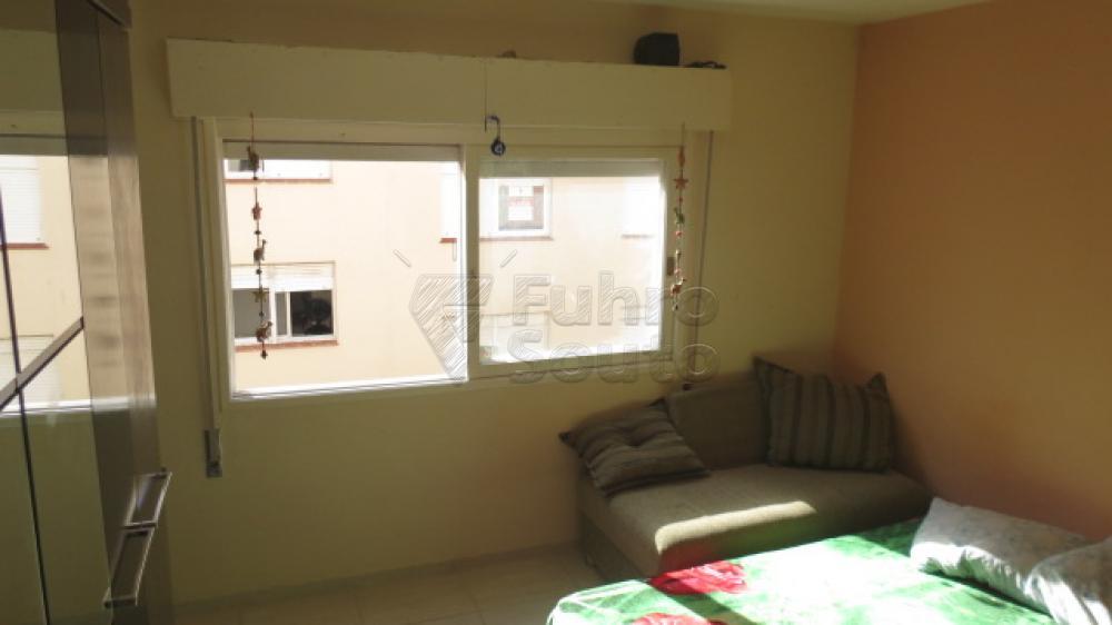 Comprar Apartamento / Padrão em Pelotas R$ 310.000,00 - Foto 9