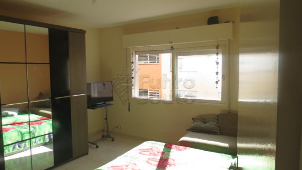 Comprar Apartamento / Padrão em Pelotas R$ 310.000,00 - Foto 10