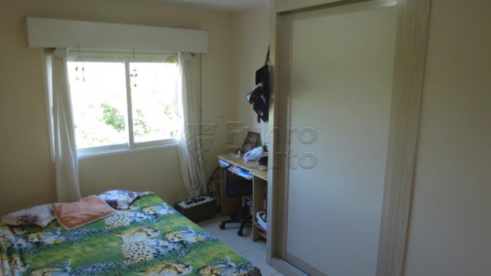 Comprar Apartamento / Padrão em Pelotas R$ 310.000,00 - Foto 14