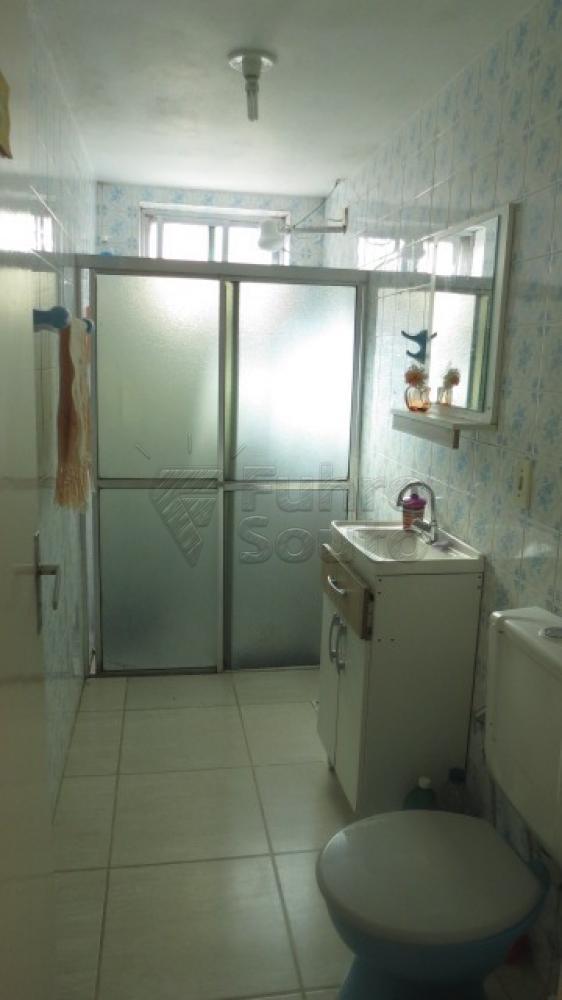 Comprar Apartamento / Padrão em Pelotas R$ 310.000,00 - Foto 17