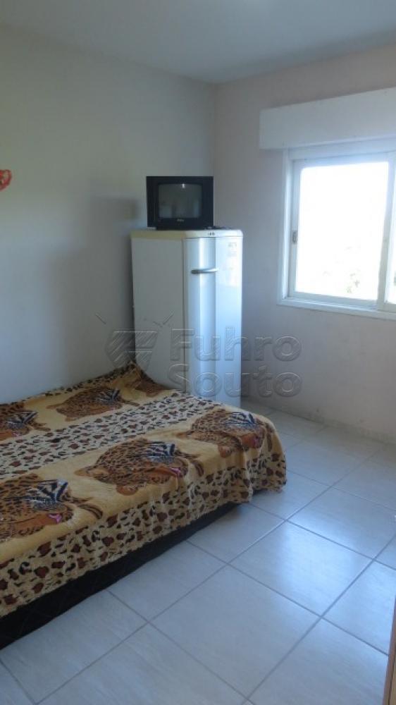 Comprar Apartamento / Padrão em Pelotas R$ 310.000,00 - Foto 12