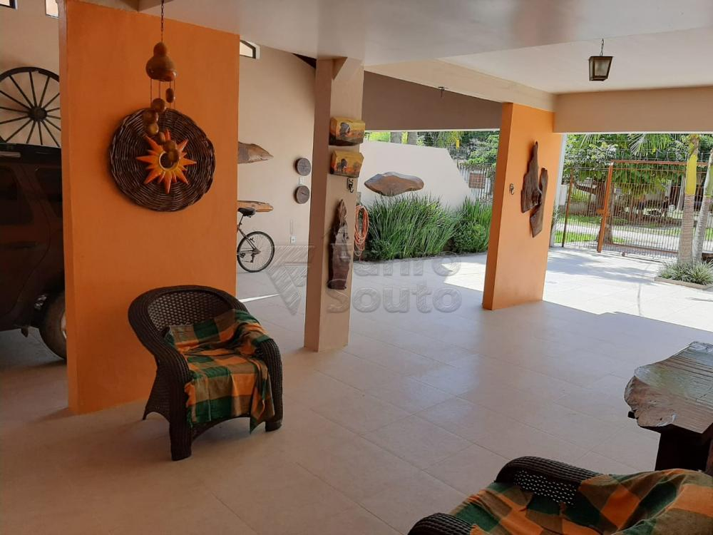 Comprar Casa / Padrão em Pelotas R$ 1.200.000,00 - Foto 2