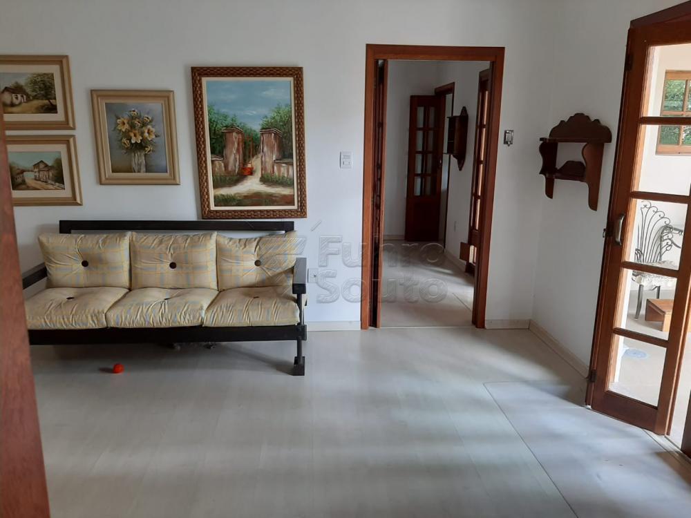 Comprar Casa / Padrão em Pelotas R$ 1.200.000,00 - Foto 3