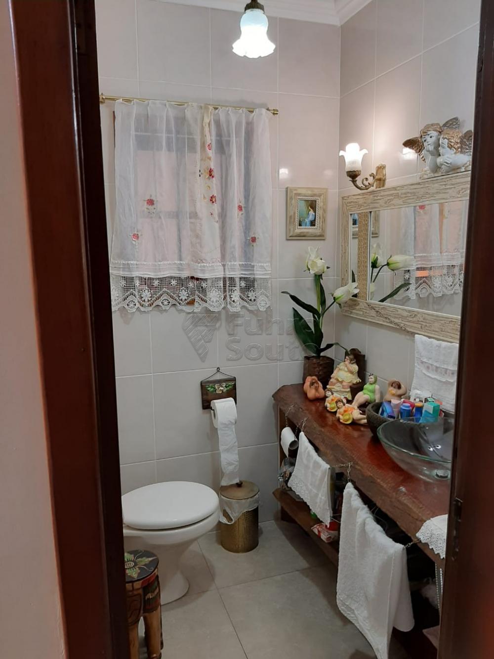 Comprar Casa / Padrão em Pelotas R$ 1.200.000,00 - Foto 20