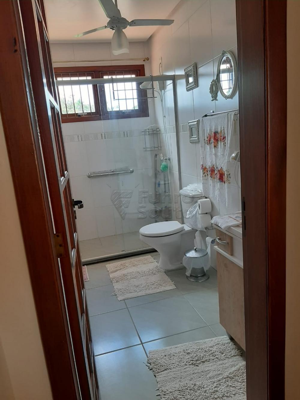 Comprar Casa / Padrão em Pelotas R$ 1.200.000,00 - Foto 23
