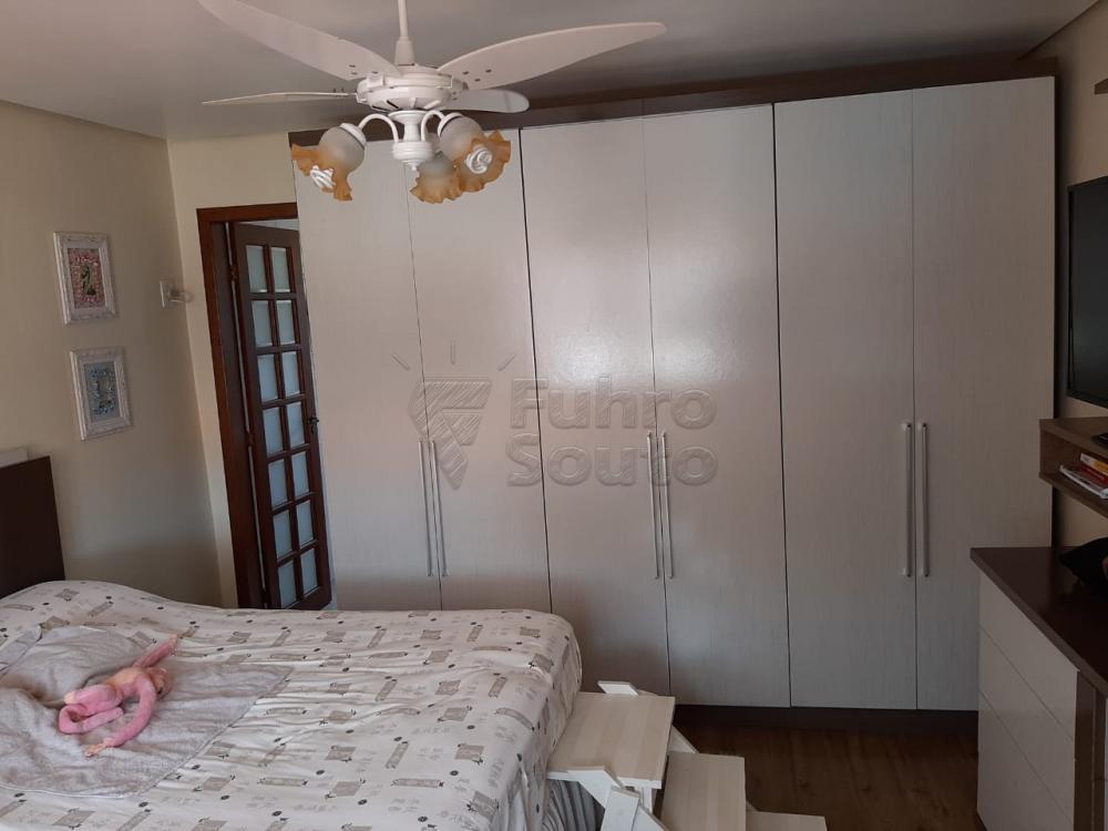 Comprar Casa / Padrão em Pelotas R$ 1.200.000,00 - Foto 24
