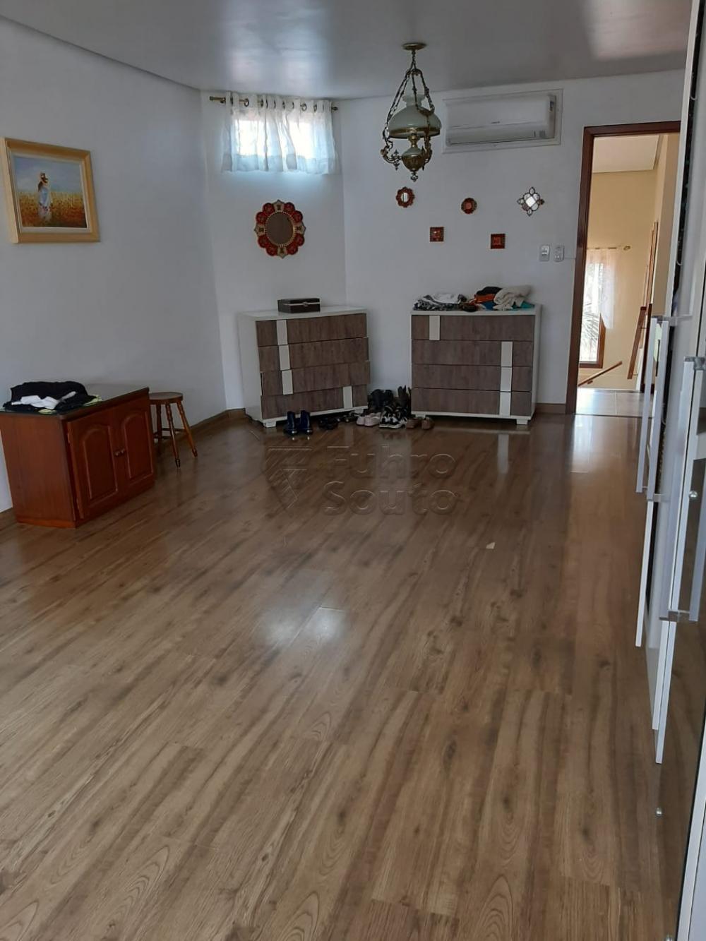 Comprar Casa / Padrão em Pelotas R$ 1.200.000,00 - Foto 26