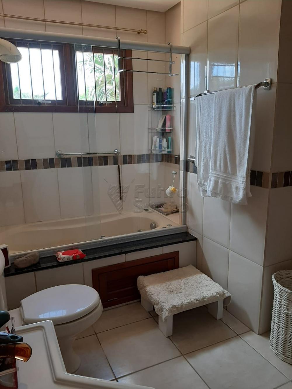 Comprar Casa / Padrão em Pelotas R$ 1.200.000,00 - Foto 28