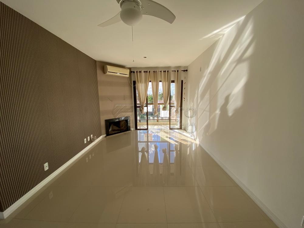 Comprar Apartamento / Padrão em Pelotas R$ 625.000,00 - Foto 2