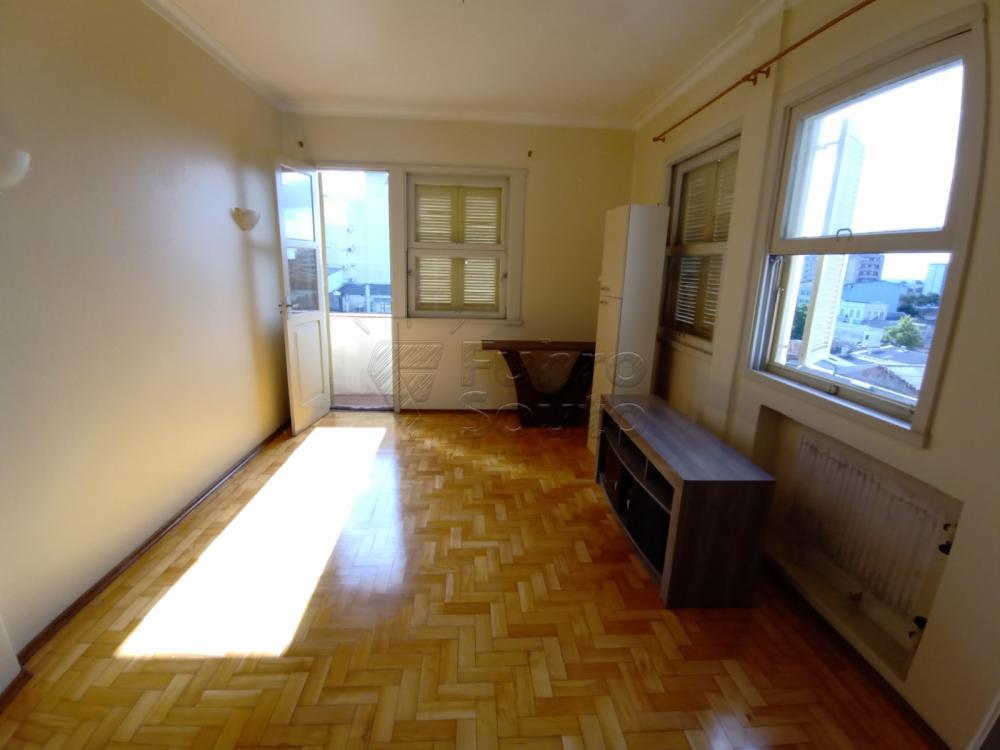 Comprar Apartamento / Padrão em Pelotas R$ 380.000,00 - Foto 3
