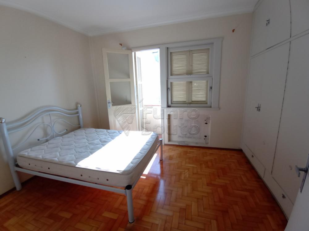 Comprar Apartamento / Padrão em Pelotas R$ 380.000,00 - Foto 6