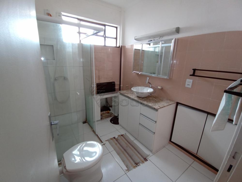 Comprar Apartamento / Padrão em Pelotas R$ 380.000,00 - Foto 8
